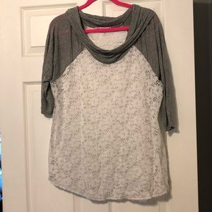 Maurices Lace and Grey Shirt Plus Size 3